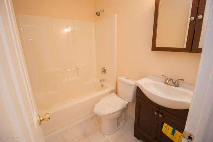 1317 W Kalamazoo St - First Floor Bathroom - 10