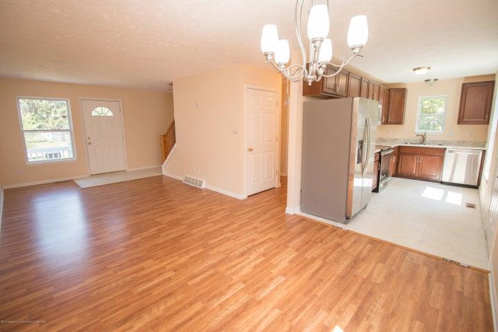 1317 W Kalamazoo St - Dining & Living Area - 4