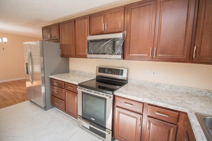 1317 W Kalamazoo St - Kitchen Cabinetry - 7