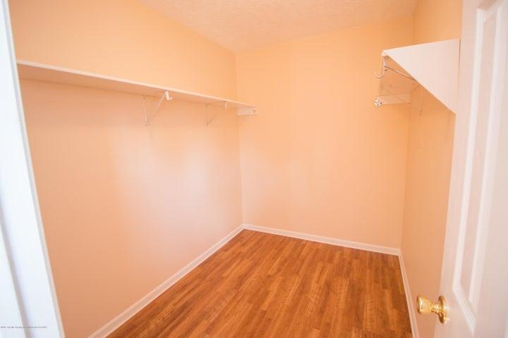 1317 W Kalamazoo St - Walk-In Closet - 17