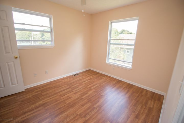 1317 W Kalamazoo St - 2nd Bedroom Windows - 12