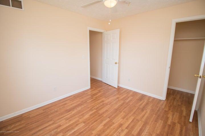 1317 W Kalamazoo St - 2nd Bedroom - 11
