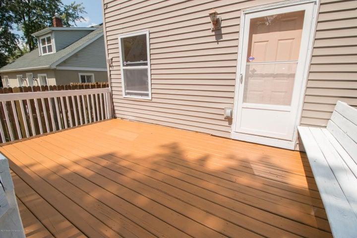 1317 W Kalamazoo St - Deck Entry - 22