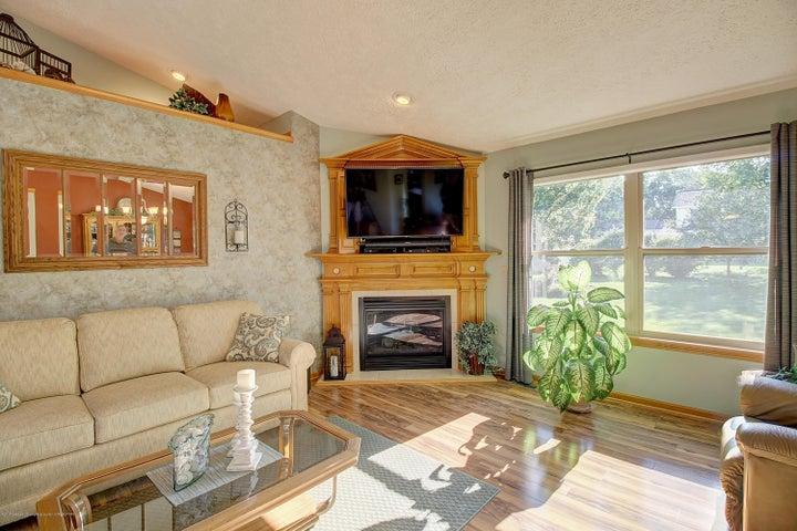 2578 Cunningham Dr - Living Room - 15