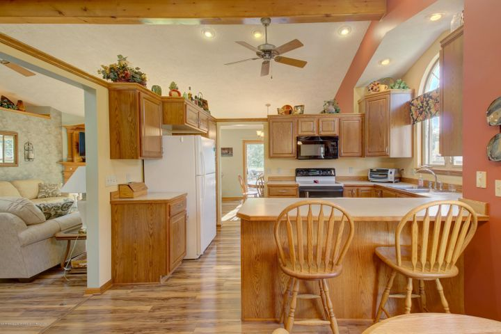 2578 Cunningham Dr - Kitchen - 17
