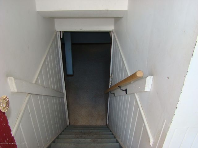 709 Hamilton Ave - Stairway to Basement - 12