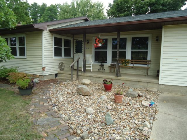 5868 Sherwood Hwy - Front Porch - 6