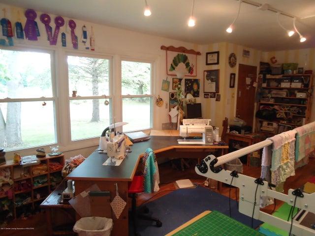 5868 Sherwood Hwy - Living Room - 16