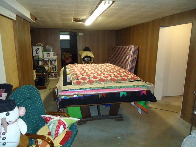5868 Sherwood Hwy - Rec Room - 26