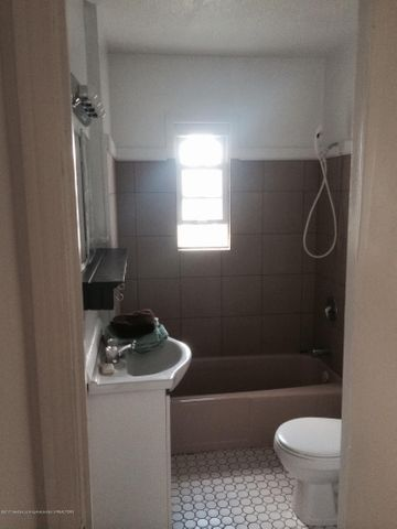 2310 Polly Ave - bathroom - 12