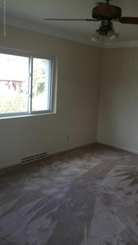 2310 Polly Ave - livingroom - 5