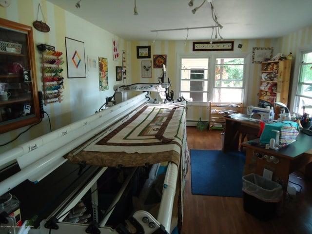 5868 Sherwood Hwy - Living Room - 15