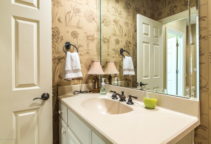 3593 Cabaret Trail - Half Bath off Mud Room - 27