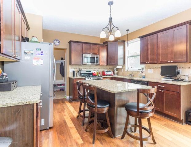 13835 Myrtle Dr - Kitchen area - 8