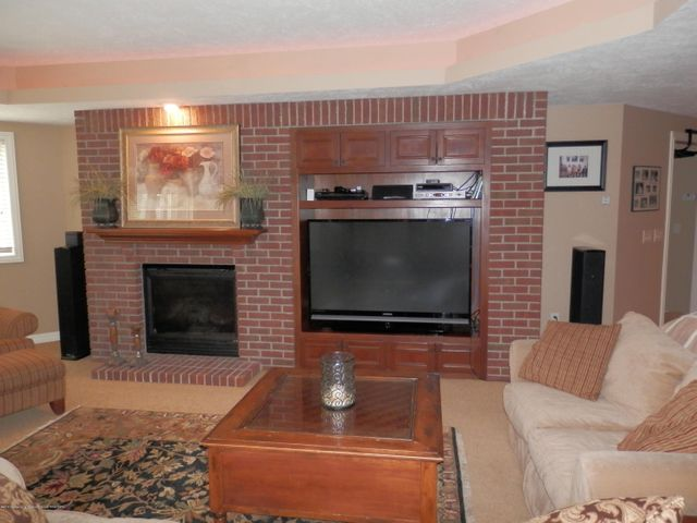 3593 Cabaret Trail - Gas Fireplace/Large screen TV - 46