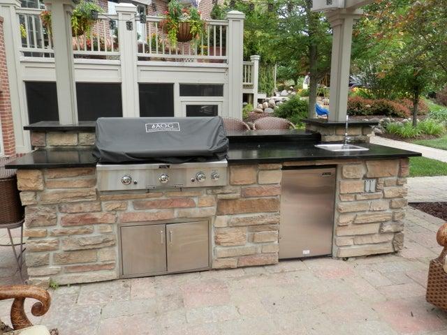 3593 Cabaret Trail - Outdoor kitchen built-ins - 61