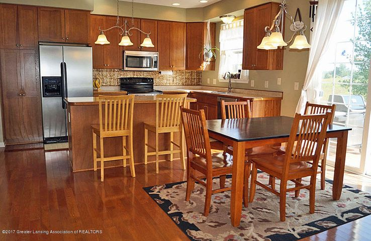 408 Snapdragon Ln - Dining Area - 9