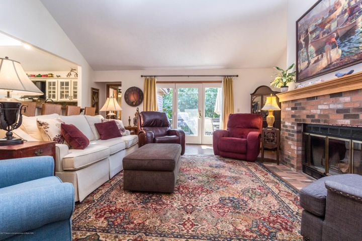 1919 Danbury E 47 - Living room area - 7