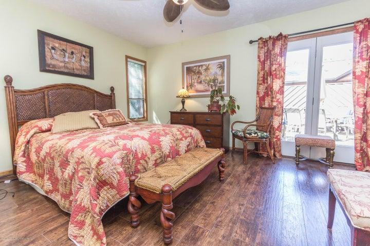 1919 Danbury E 47 - Master bedroom - 23