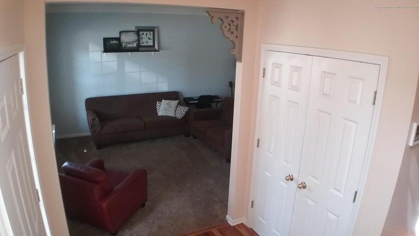 138 Church Hill Downs Blvd - c livingroom 2 - 11