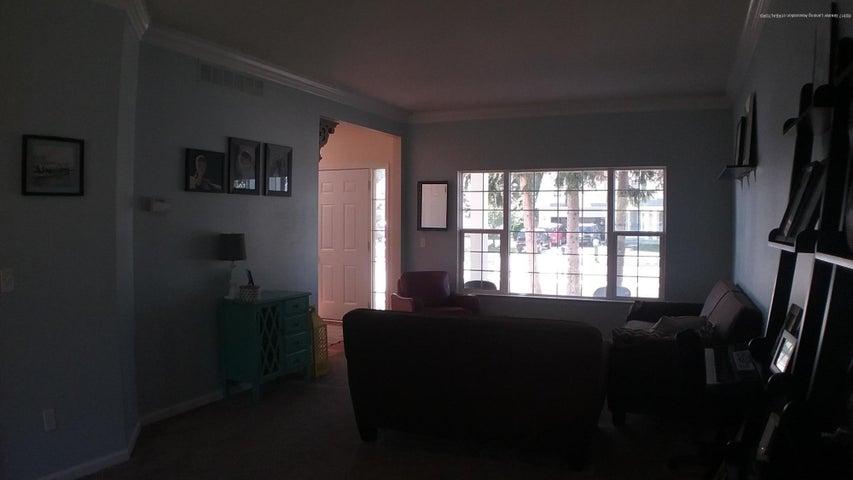 138 Church Hill Downs Blvd - c living room - 8