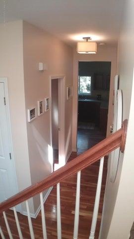 138 Church Hill Downs Blvd - c hallway 3 - 12