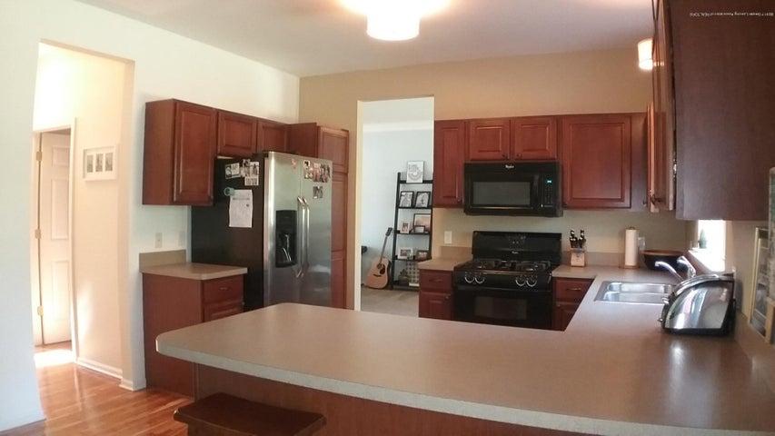 138 Church Hill Downs Blvd - c kitchen 4 - 13