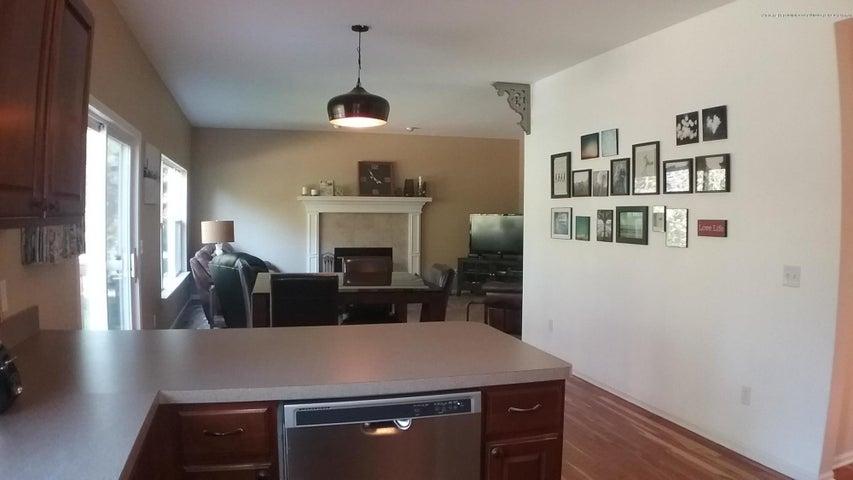 138 Church Hill Downs Blvd - c kitchen view - 19