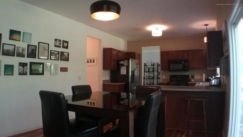 138 Church Hill Downs Blvd - c eat in kitchen - 15