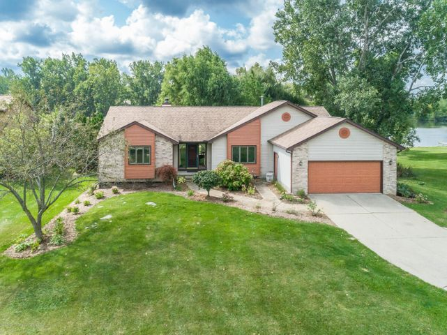 9417 W Scenic Lake Dr - Front - 1