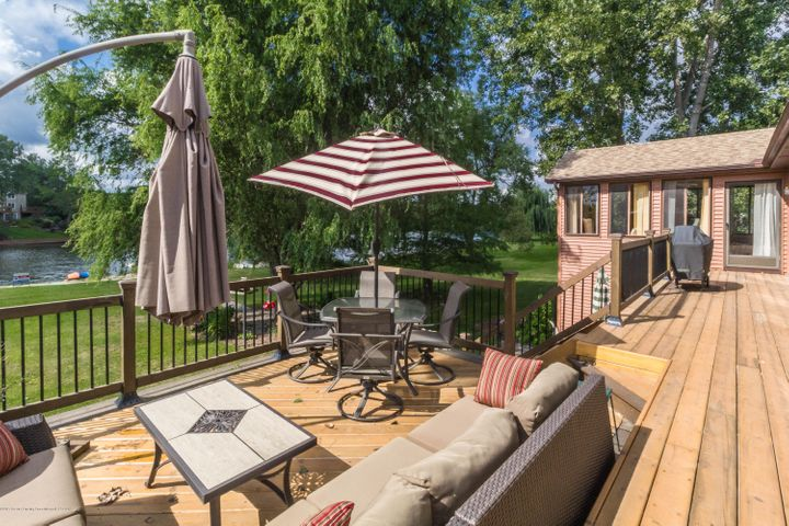 9417 W Scenic Lake Dr - Back deck area - 35
