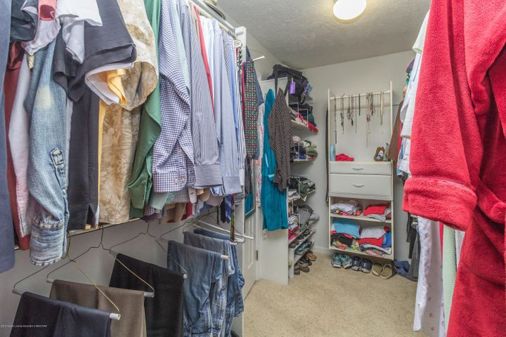 9417 W Scenic Lake Dr - Master closet - 16