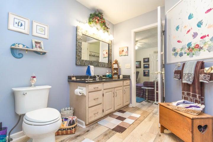 9417 W Scenic Lake Dr - Bathroom - 20