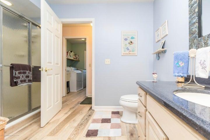 9417 W Scenic Lake Dr - Bathroom - 21