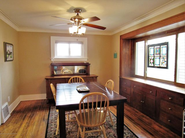 1925 Jerome St - Dining Room - 9