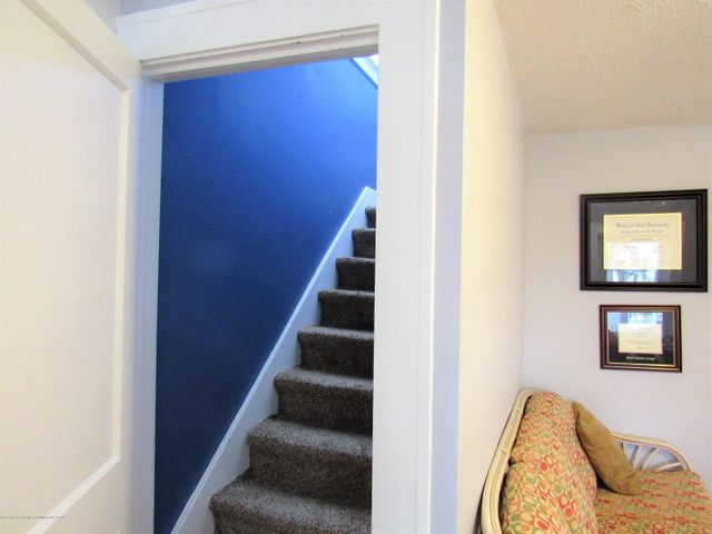 1925 Jerome St - Stairs to Attic - 27