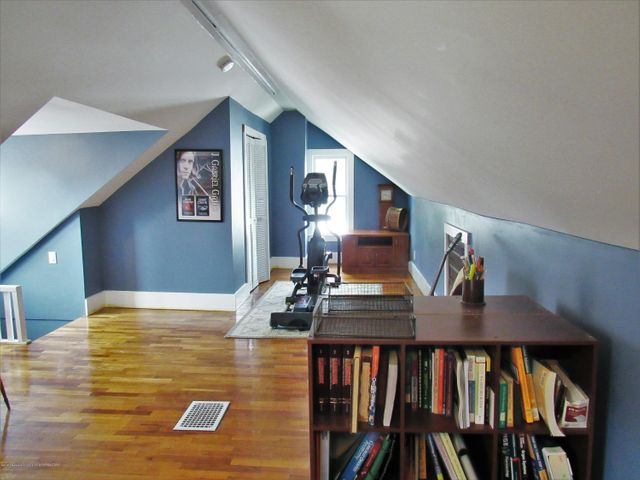 1925 Jerome St - Attic View 3 - 30