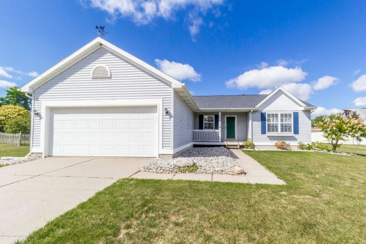 2465 Featherstone Dr - feathfront - 1