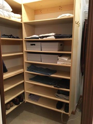 1667 Eifert Rd - master closet - 16