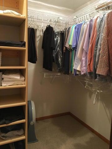 1667 Eifert Rd - master closet2 - 17