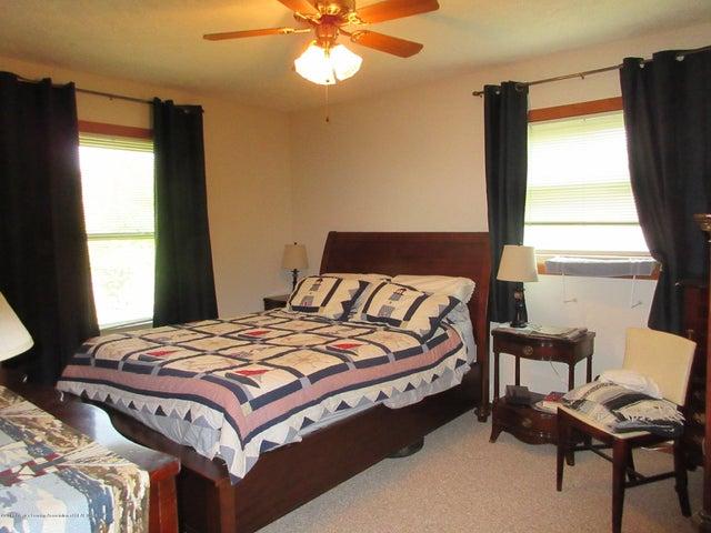 4742 Omar Dr - Master Bedroom - 23