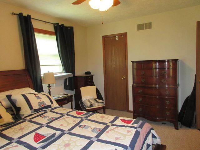 4742 Omar Dr - Master to Walk In - 24