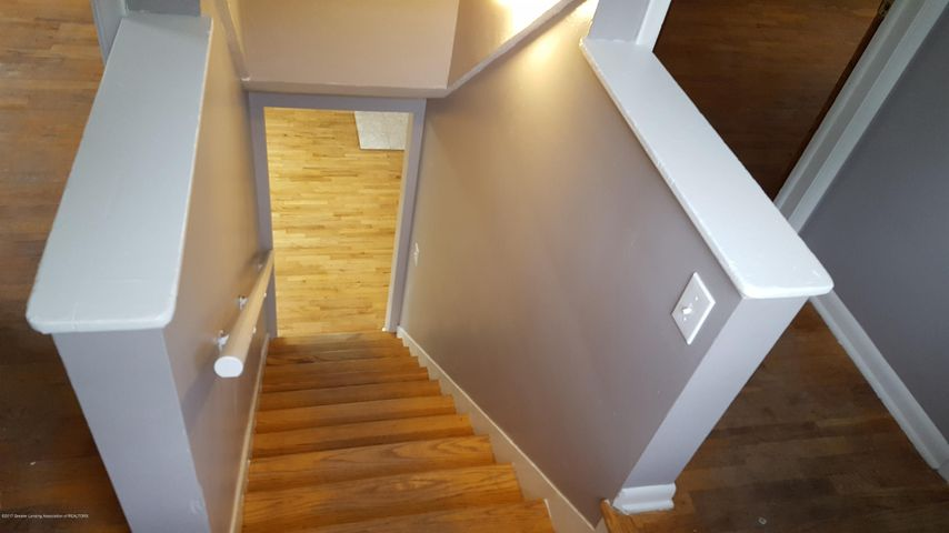 438 North Dibble Avenue - Stairs - 11