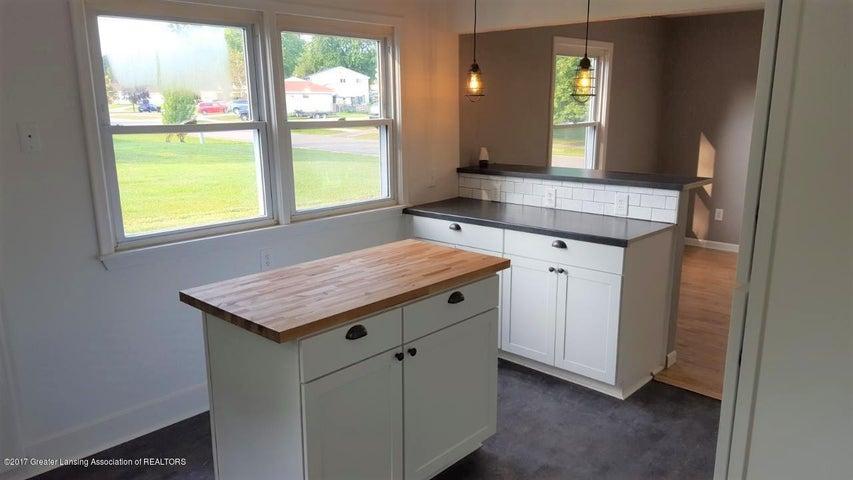 438 North Dibble Avenue - Kitchen - 6