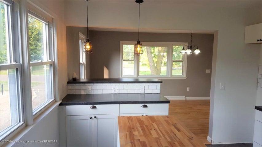 438 North Dibble Avenue - Kitchen - 4