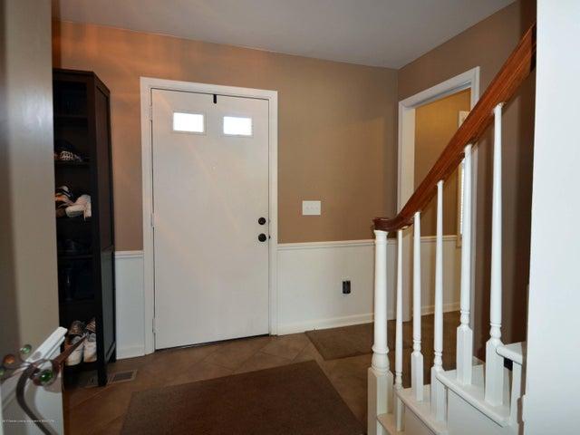 1434 Roxburgh Ave - 3 Foyer - 3