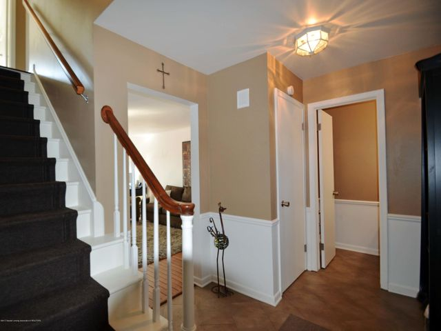 1434 Roxburgh Ave - 4 Foyer - 4