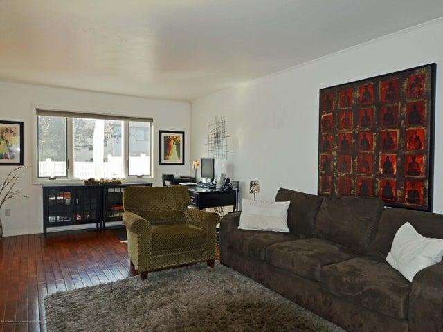 1434 Roxburgh Ave - 5 Living Room - 5