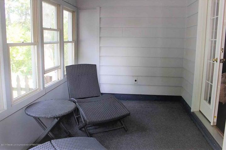 407 Kipling Blvd - 3 seasons room - 5
