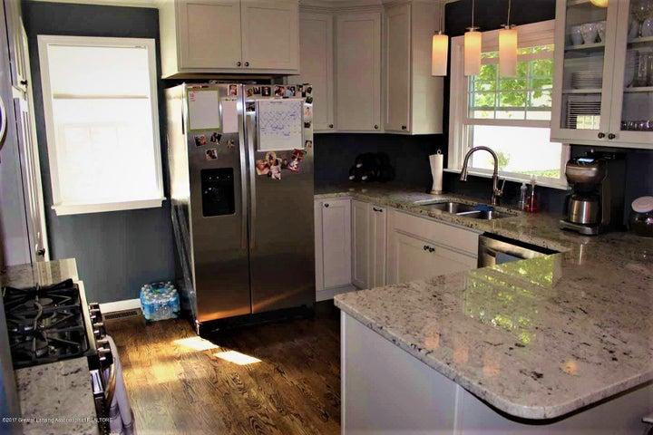 407 Kipling Blvd - kitchen 1 - 6